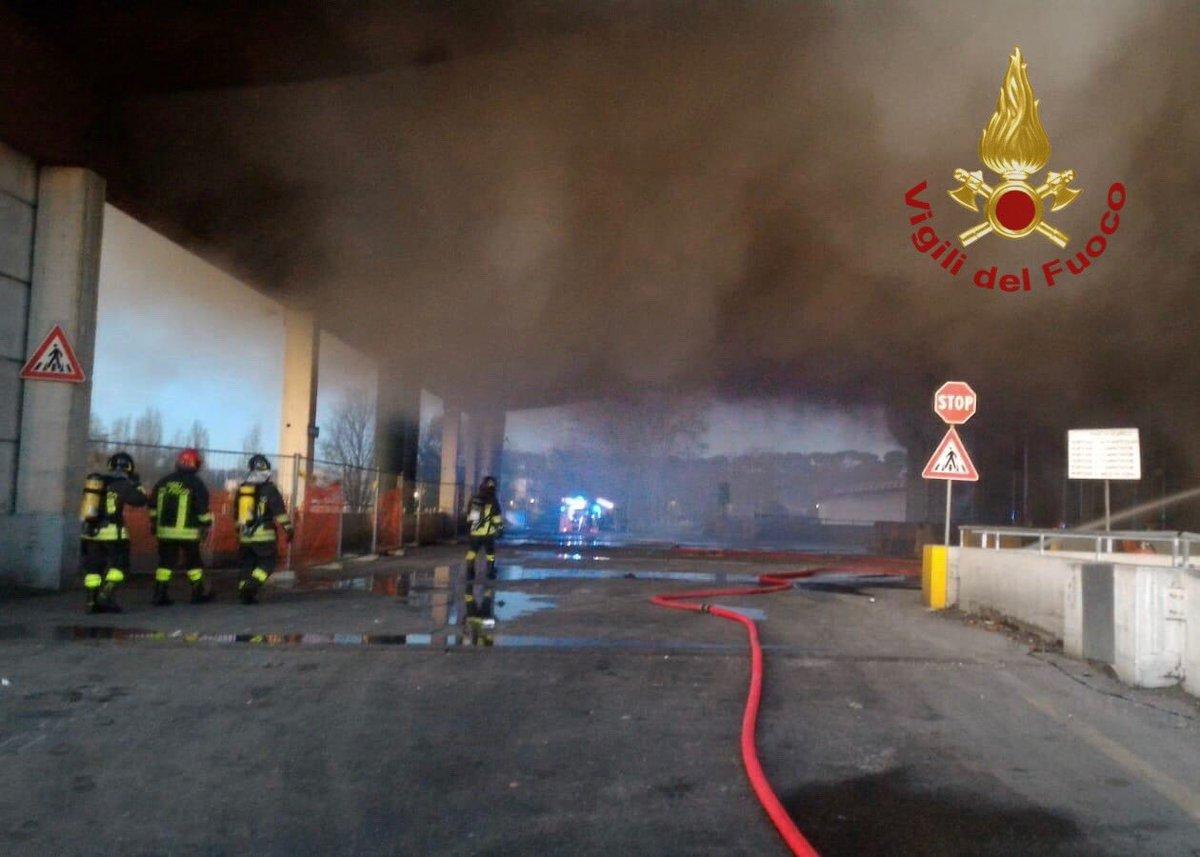 incendio tmb roma 1