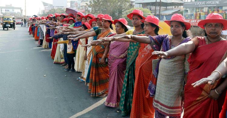 Risultati immagini per india donne in protesta