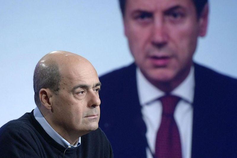 Tensione M5S su duello Di Maio-Conte, sfogo in chat:
