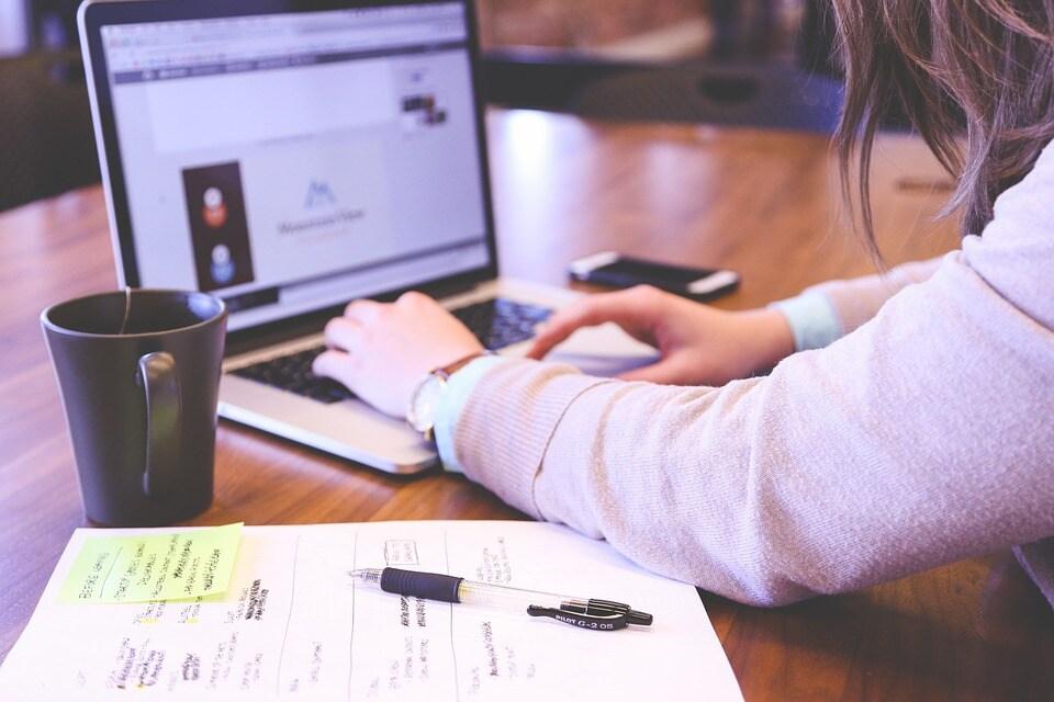 5 cose da controllare prima di firmare un contratto Internet e telefono