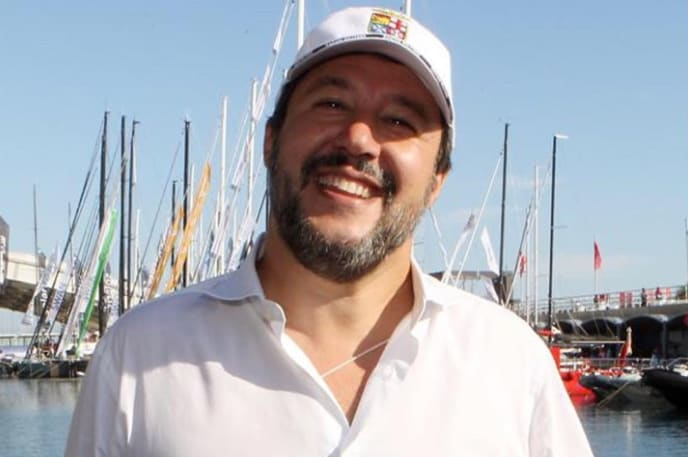 Migranti, meno sbarchi per Lamorgese. L'attacco a Salvini