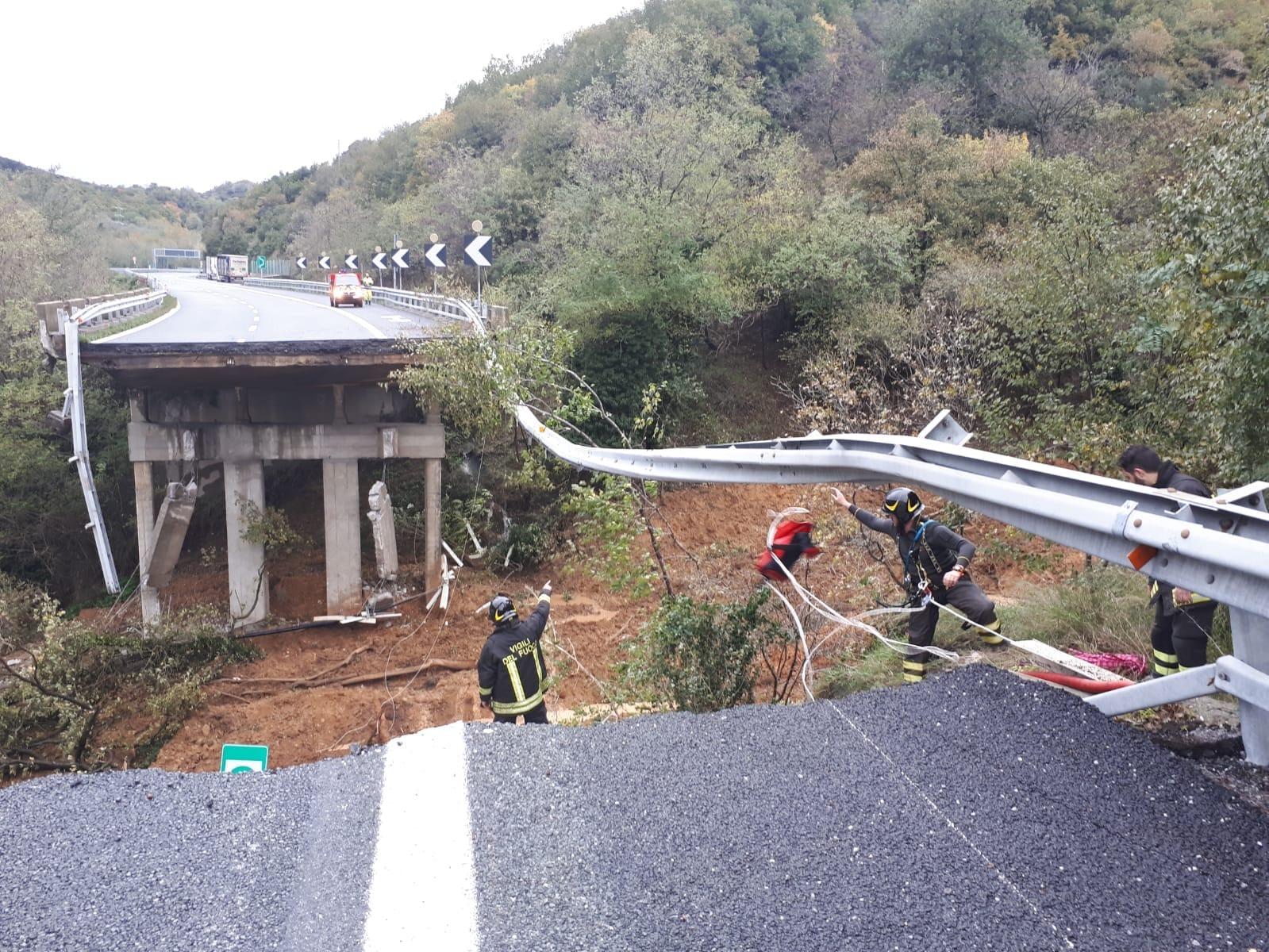 viadotto crollato autostrada a6 torino savona