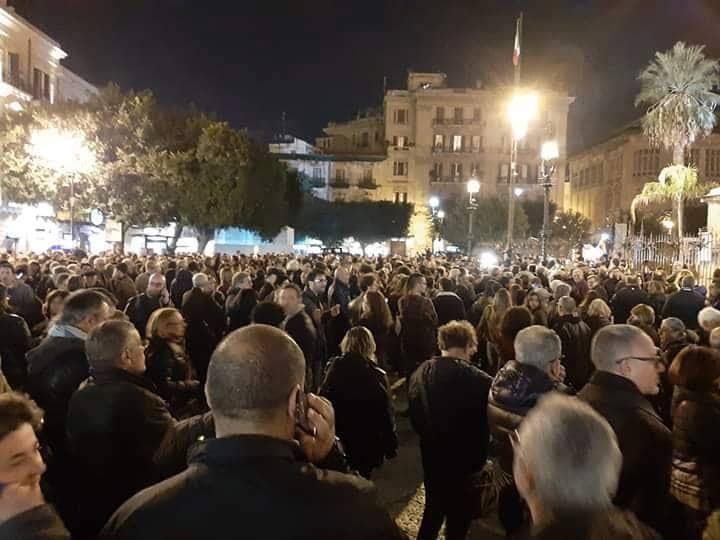 Sardine a Palermo, 4mila in piazza cantano
