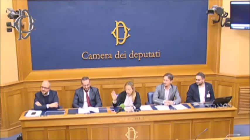 meloni report conferenza stampa camera