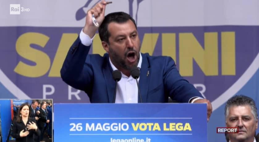 salvini segre domande maglietta offence best defence - 3