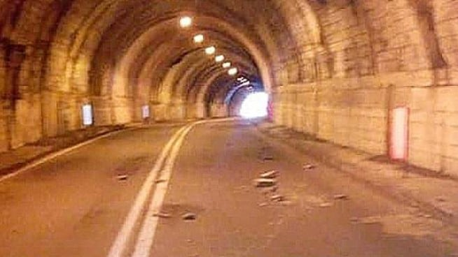 tunnel via mala val di scalve