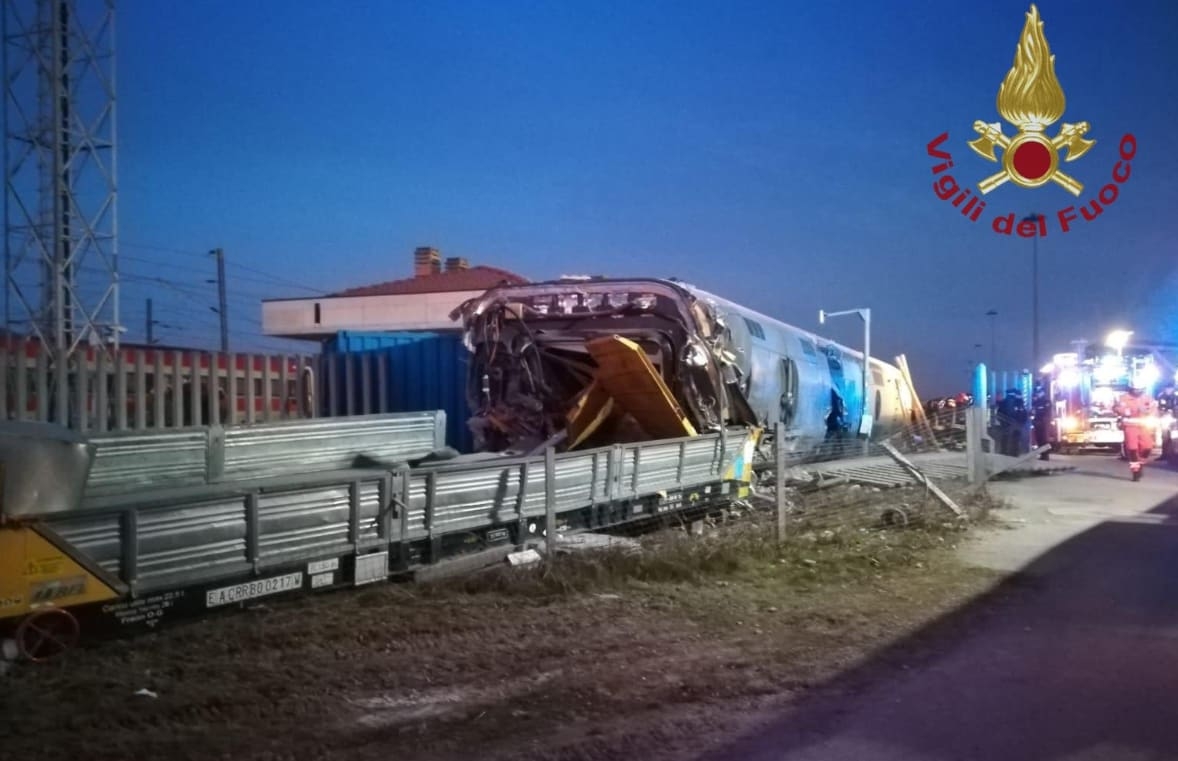 Frecciarossa 9595 Milano Salerno deragliato lodi manutenzione - 3