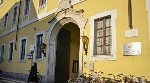 L'ingresso della Fondazione Santa Chiara di Lodi
