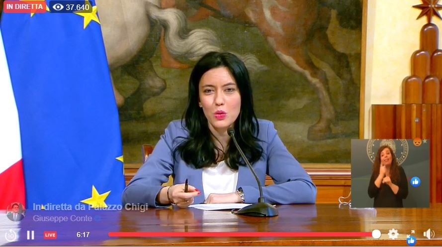 """Perché Lucia Azzolina viene chiamata """"ombra ministra"""""""
