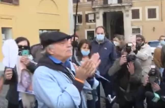 montesano fermato dalla polizia senza mascherina