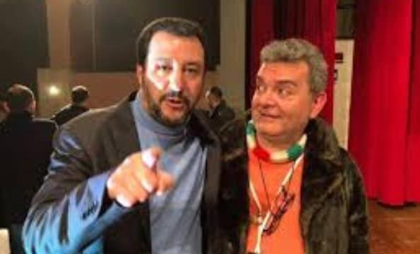 Il Presidente di Regione Calabria non sa se le scuole sono aperte o chiuse. E lo chiede ai genitori su Facebook