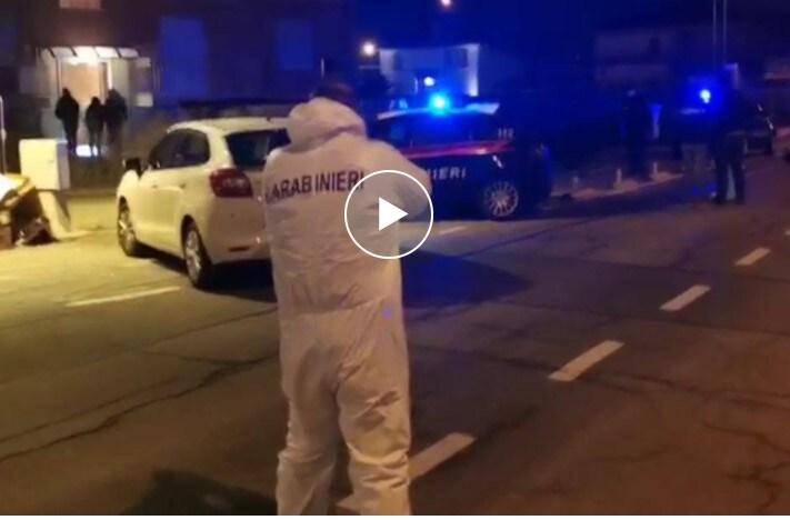 carmagnola uomo uccide figlio 5 anni moglie