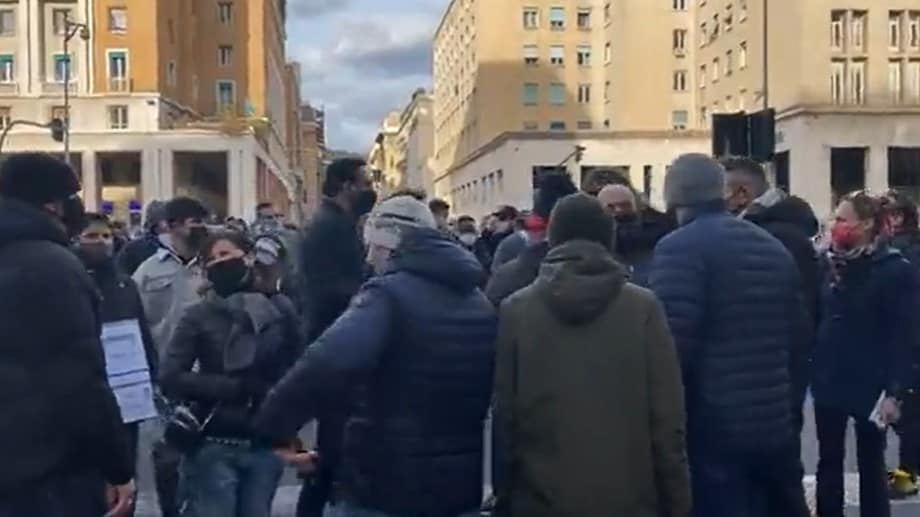 protesta ristoratori genova video
