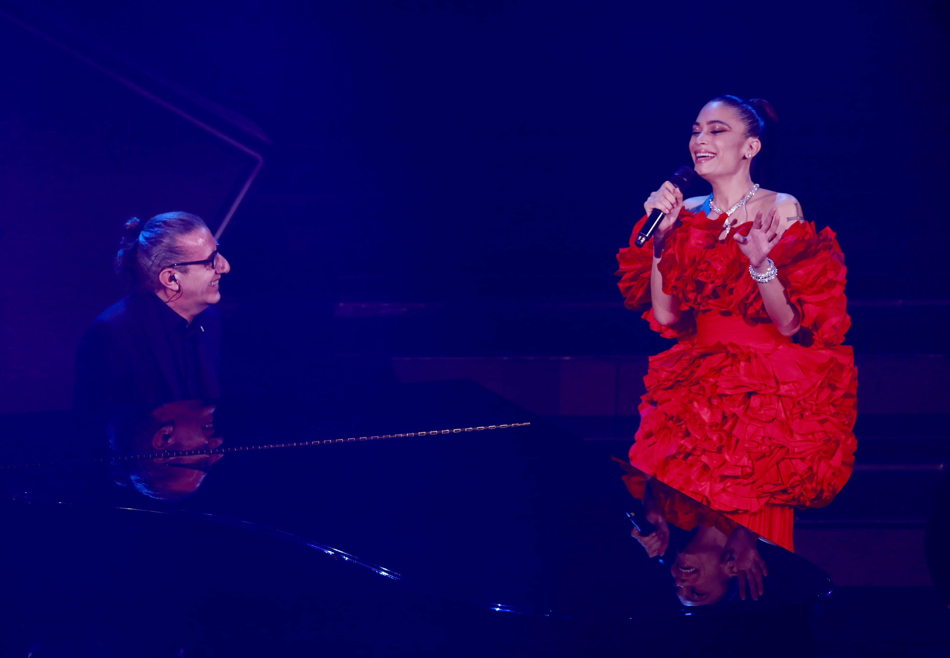 """Sanremo, il monologo di Elodie: """"Non serve sentirsi all'altezza delle cose, l'importante è farle"""""""