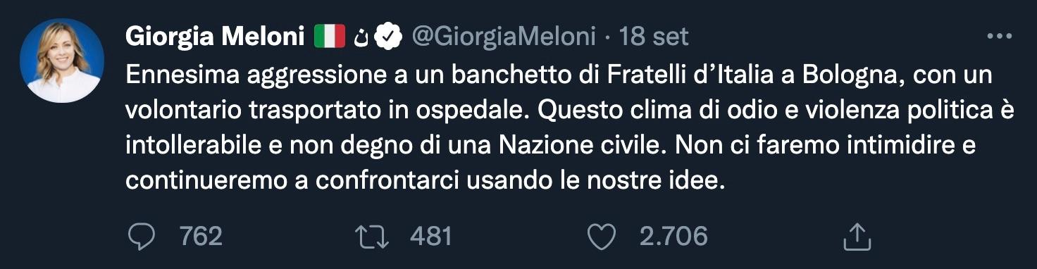 """Il militante di Fratelli d'Italia che inciampa e sbatte la testa, ma per Meloni è """"aggressione"""""""