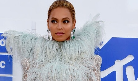 gallery-1472456613-beyonce-vma-mtv-video-music-awards-2016-2_Fotor
