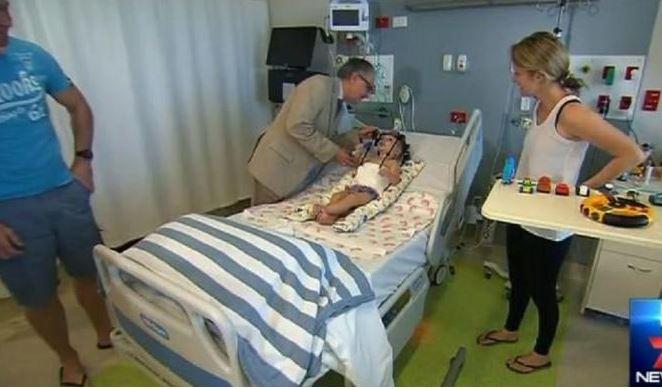 Jackson Taylor dopo l'intervento chirurgico che gli ha salvato la vita