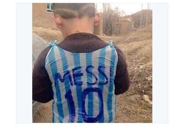 leo messi iraq migrante profugo bambino -