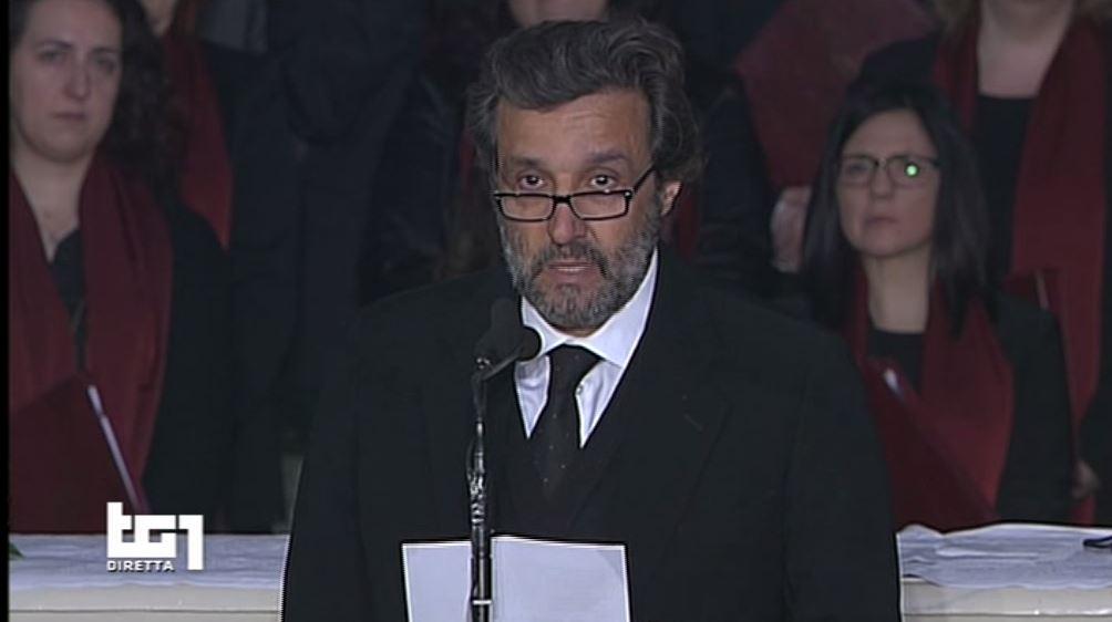 flavio insinna poesia funerali fabrizio frizzi video 1