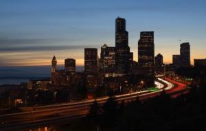 autostrada a Seattle di notte