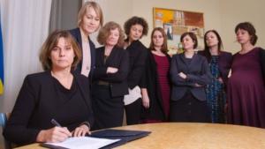 Ministro svedese Lovin firma e fa il verso a Trump