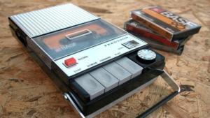 registratore con cassetta e tecnologia facile