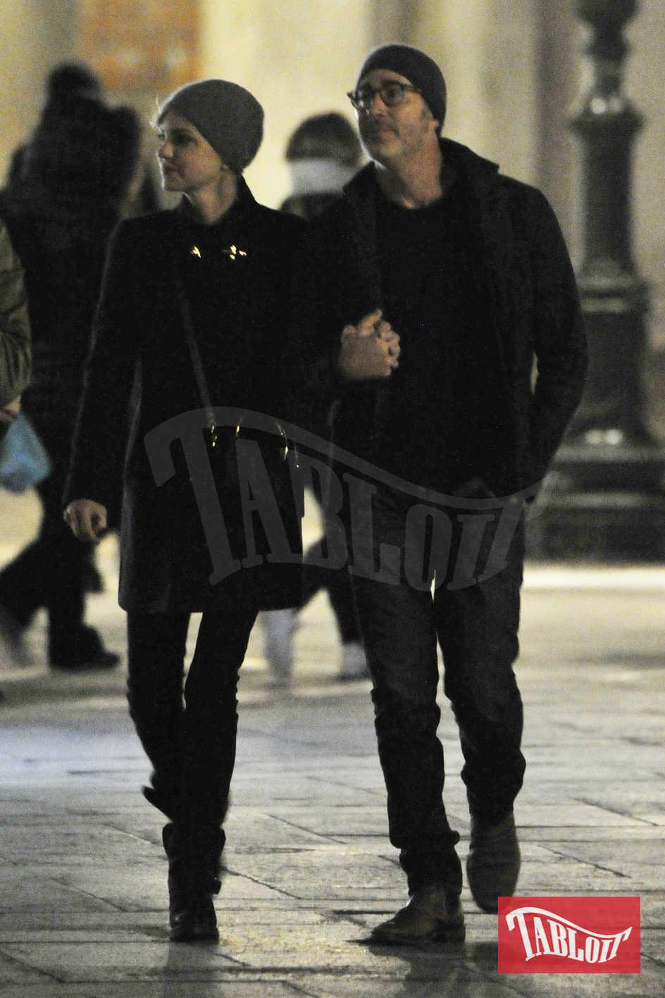 """Anna e Michael si frequentano da diverse settimane dopo essersi conosciuti sul set del film """"Overboard"""". Li abbiamo paparazzati durante una romantica vacanza a Venezia"""