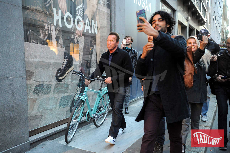 Selfie con Arnold Schwarzenegger? Fatto