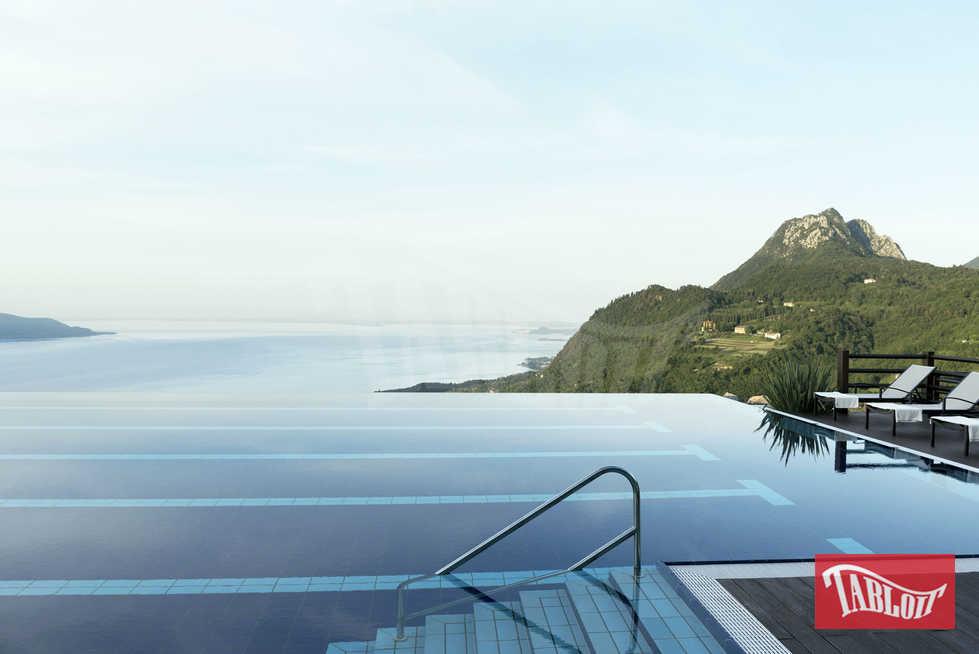 Il lussuosissimo Lefay Hotel&Spa sul lago di Garda: piscine riscaldate, percorsi benessere e suite da 2300 euro a notte