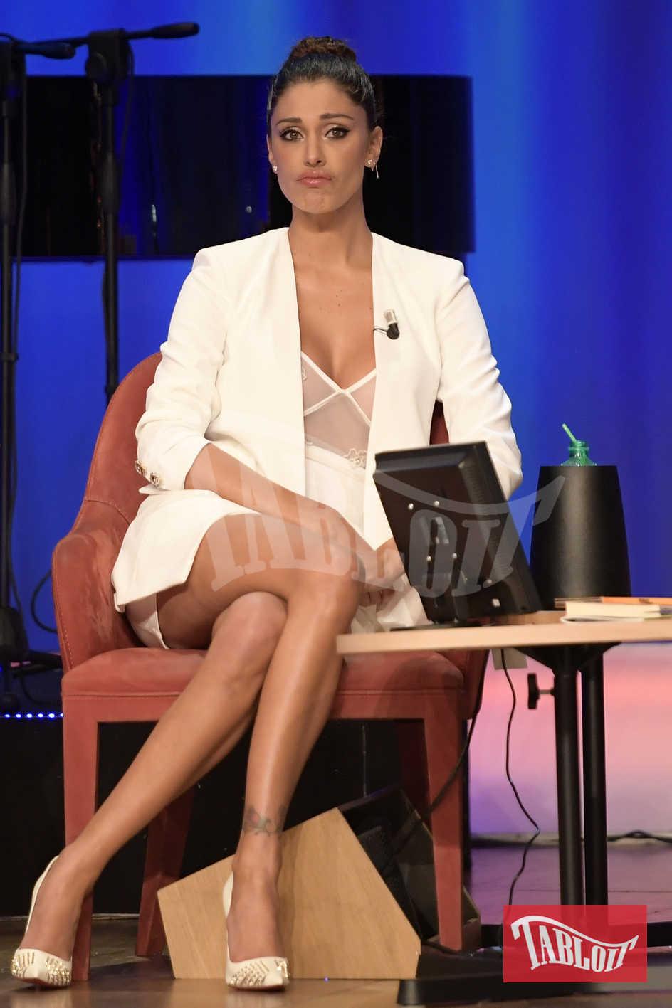 Niente da fare per Belen Rodriguez: la showgirl argentina non ha convinto i vertici di Mediaset. Evidentemente serve ancora un po' di gavetta prima di reggere il confronto con primedonne come Alessia Marcuzzi e Ilary Blasi