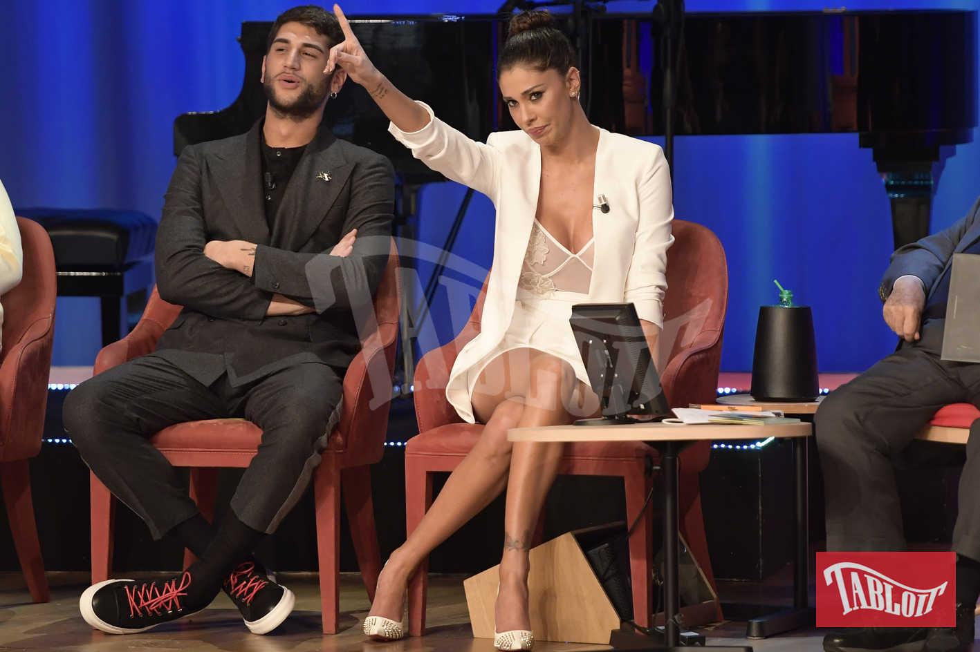 Jeremias Rodriguez con la sorella Belen, per lui completo total black, per lei un sensualissimo total white
