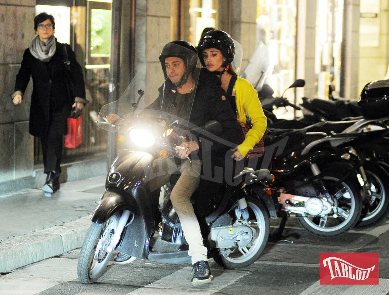 Belen Rodriguez in moto, per la prima volta senza Andrea Iannone. Il viso della showgirl argentina è tristissimo