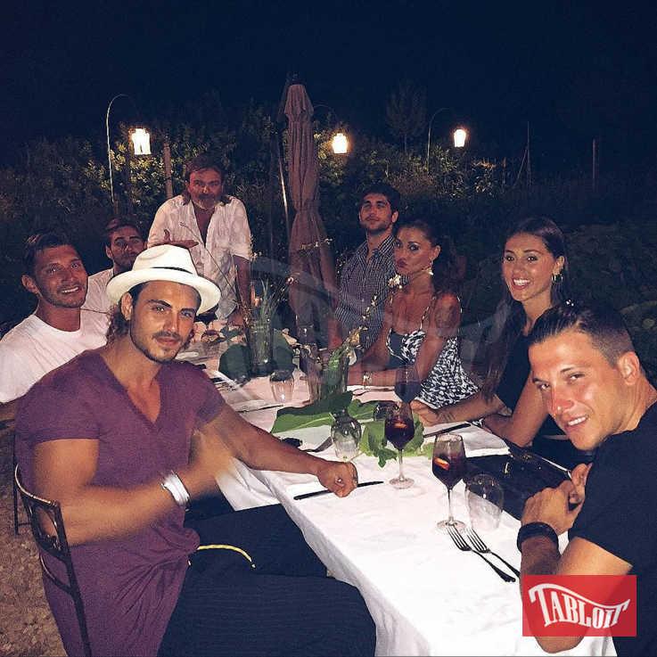 Cecilia e Francesco, Belen e Stefano, Jeremias e altri amici: il clan Rodriguez quando ancora le coppie non erano scoppiate