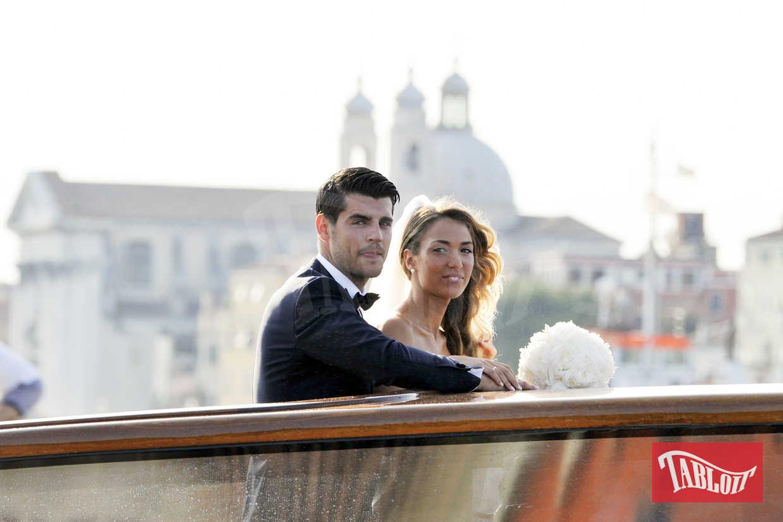 Alvaro Morata ha 25 anni ed è un attaccante del Chelsea. Alice morata ne ha 23 ed è una modella e fashion blogger: su Instagram è seguita da 1,3 milioni di follower