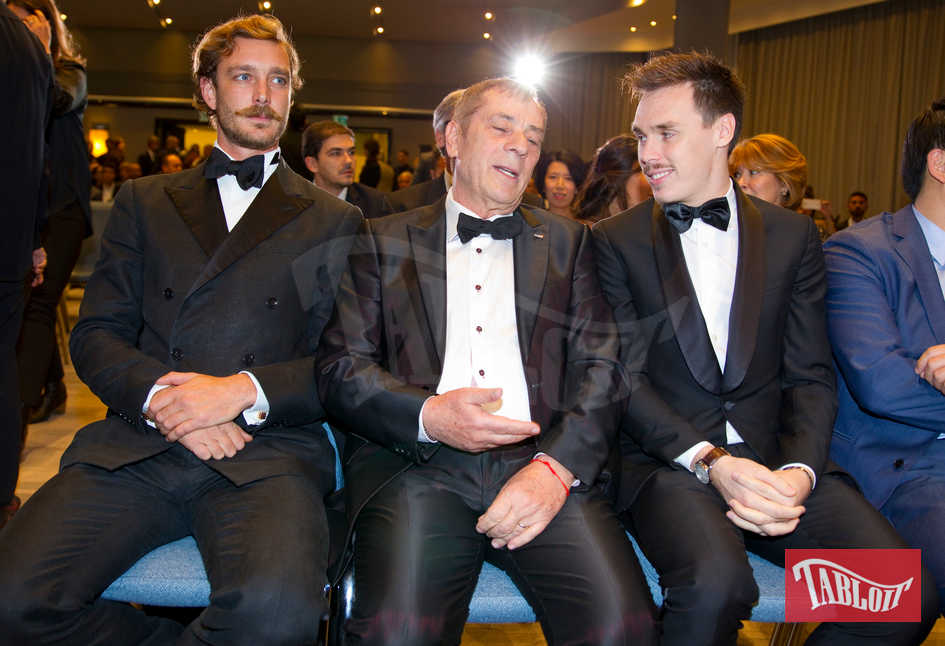 "Pierre Casiraghi, Antonio Caliendo e Louis Ducruet ai Golden Foot Awards. Pierre ha premiato il portiere del Porto Iker Casillas come ""Giocatore dell'anno"""