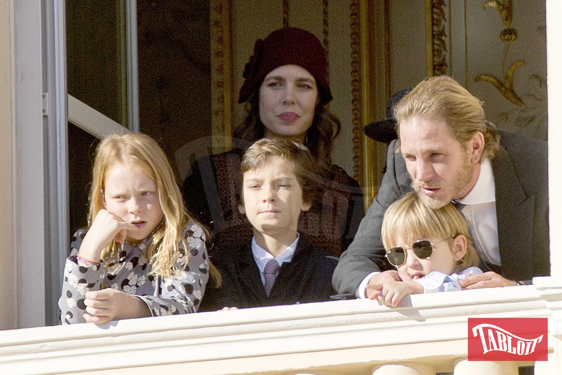 Anche Andrea Casiraghi ha sposato la moda in voga tra gli uomini della famiglia reale: i baffi. Andrea però li accompagna con la folta barba bionda