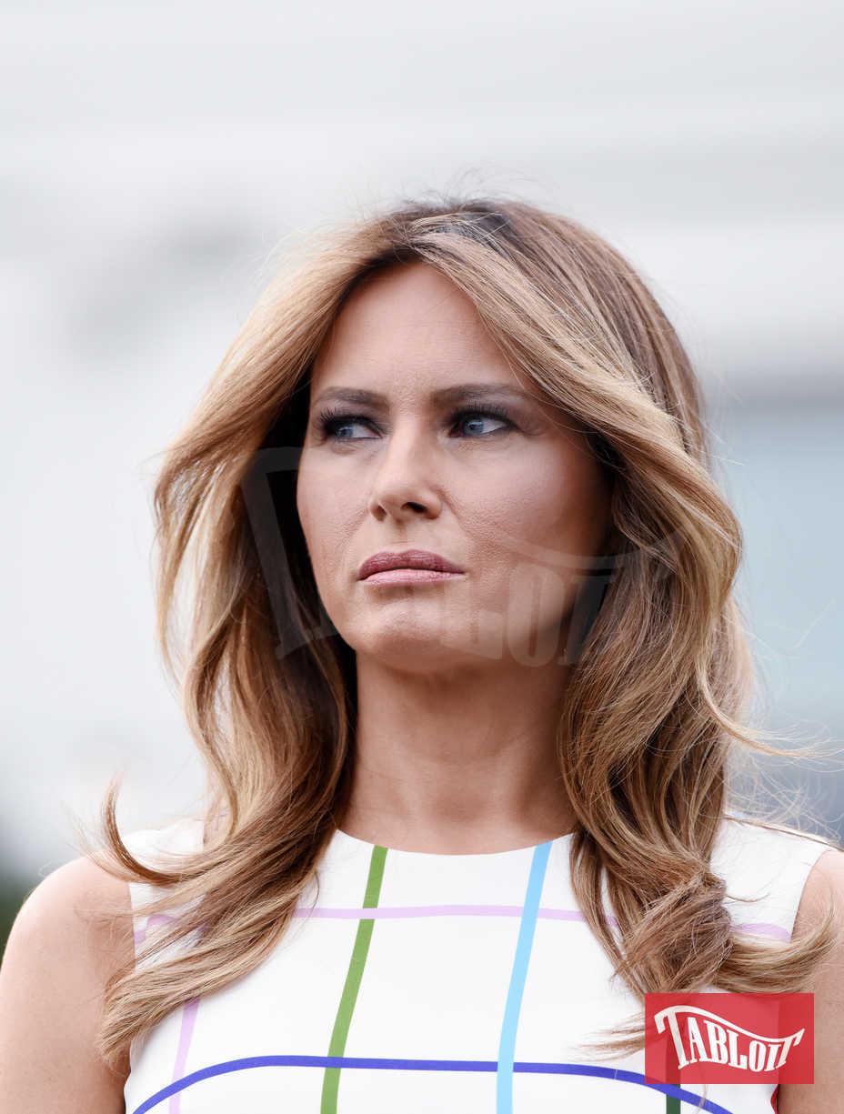 """Molto spesso i media hanno definito Melania Trump la First Lady """"triste"""". Effettivamente, soprattutto all'inizio del mandato di Donald, l'ex modella non si è distinta per il sorriso contagioso"""