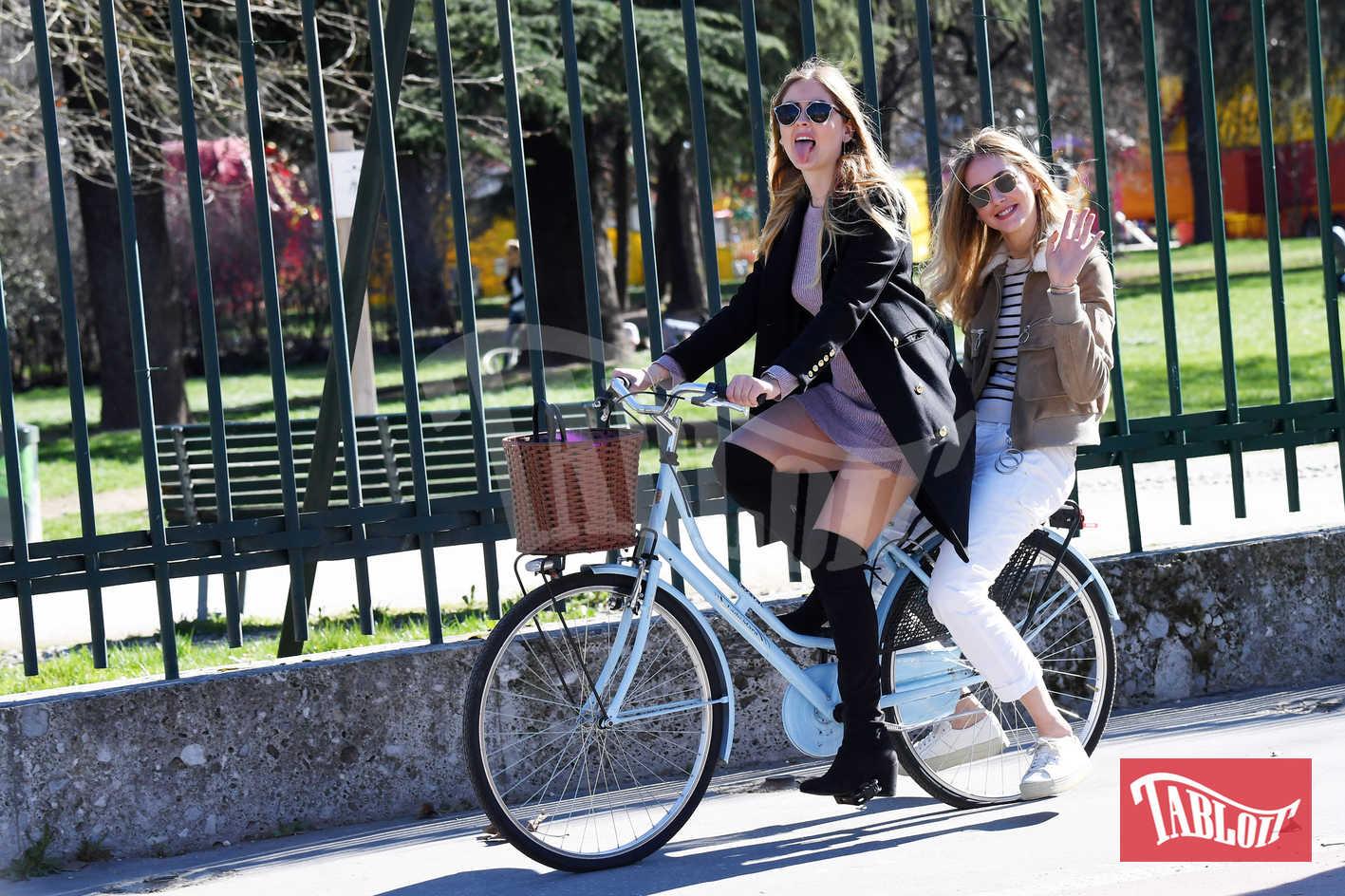 Chiara Ferragni e Valentina a Milano lo scorso marzo