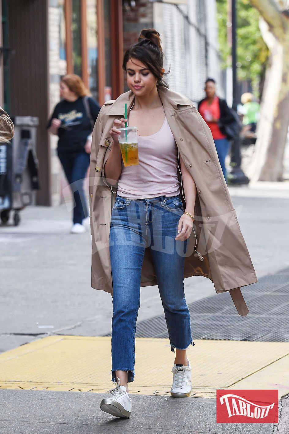 Selena Gomez lo scorso settembre a New York sul set del nuovo film di Woody Allen, ancora senza nome.