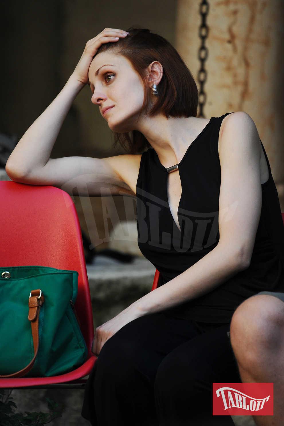 """Federica è un'attrice e aspirante cantante: nel 2016 ha partecipato come concorrente al talent show """"The Voice of Italy"""" nel team di Raffaella Carrà, ma viene eliminata durante la fase delle Battles"""