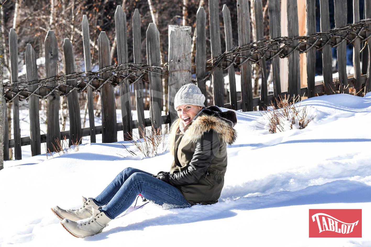 michelle hunziker slittino montagna san cassiano sulla neve