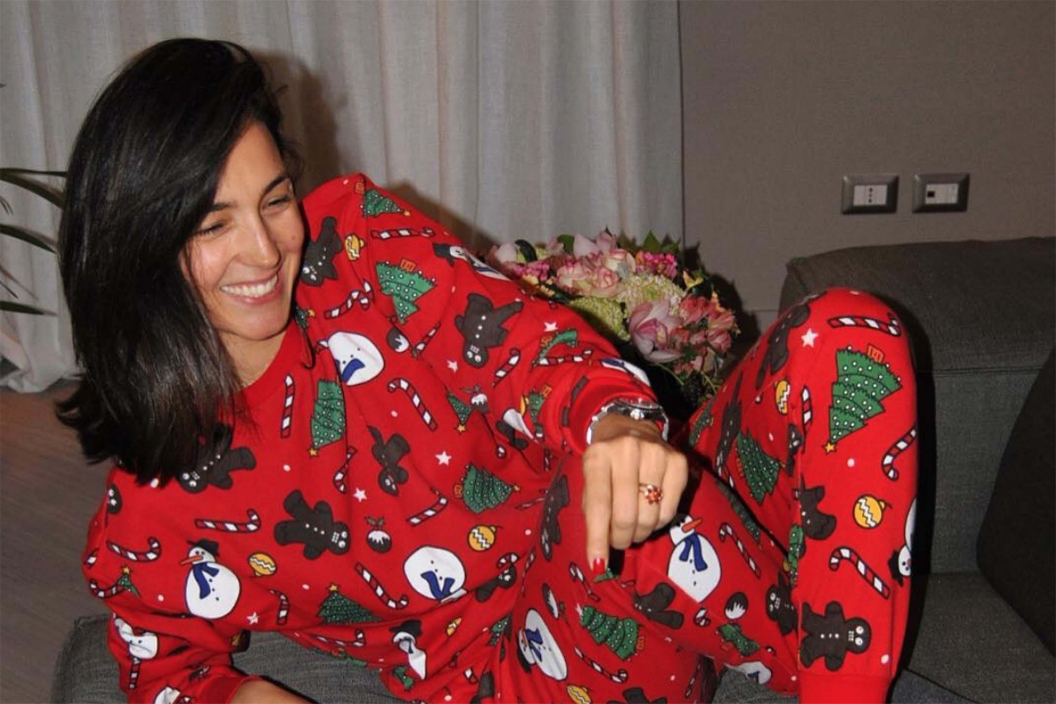 Anche Caterina Balivo ha ceduto al fascino del pigiamone intero