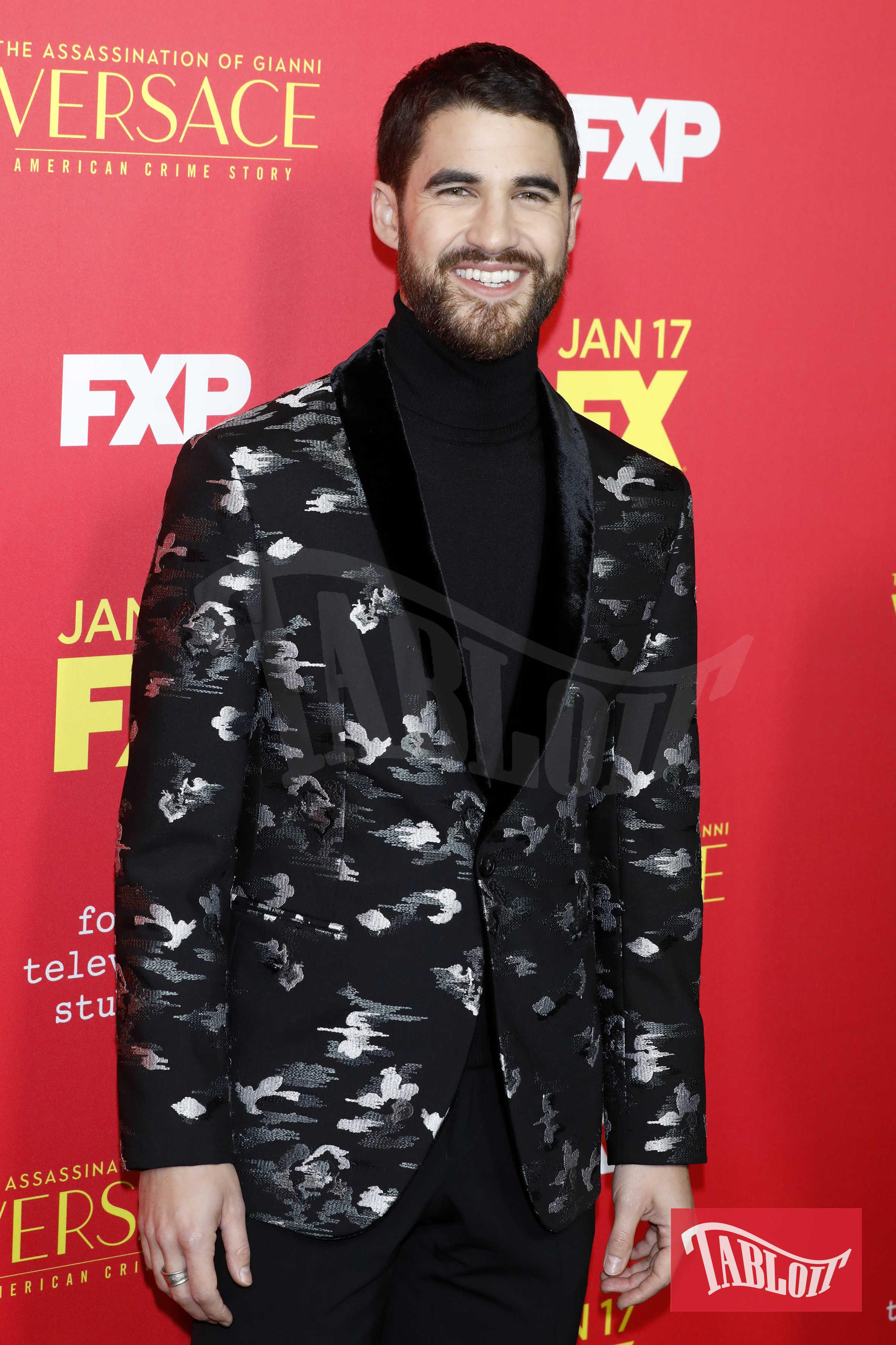 Darren Criss nella serie interpreta il killer di Versace, Andrew Cunanan