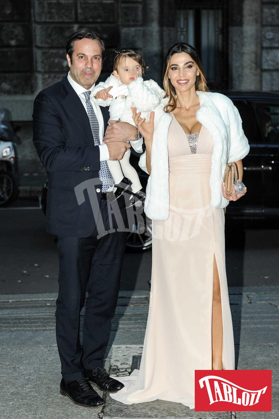 Cecilia Capriotti e Gianluca Mobilia insieme alla loroc figlia Maria Isabelle