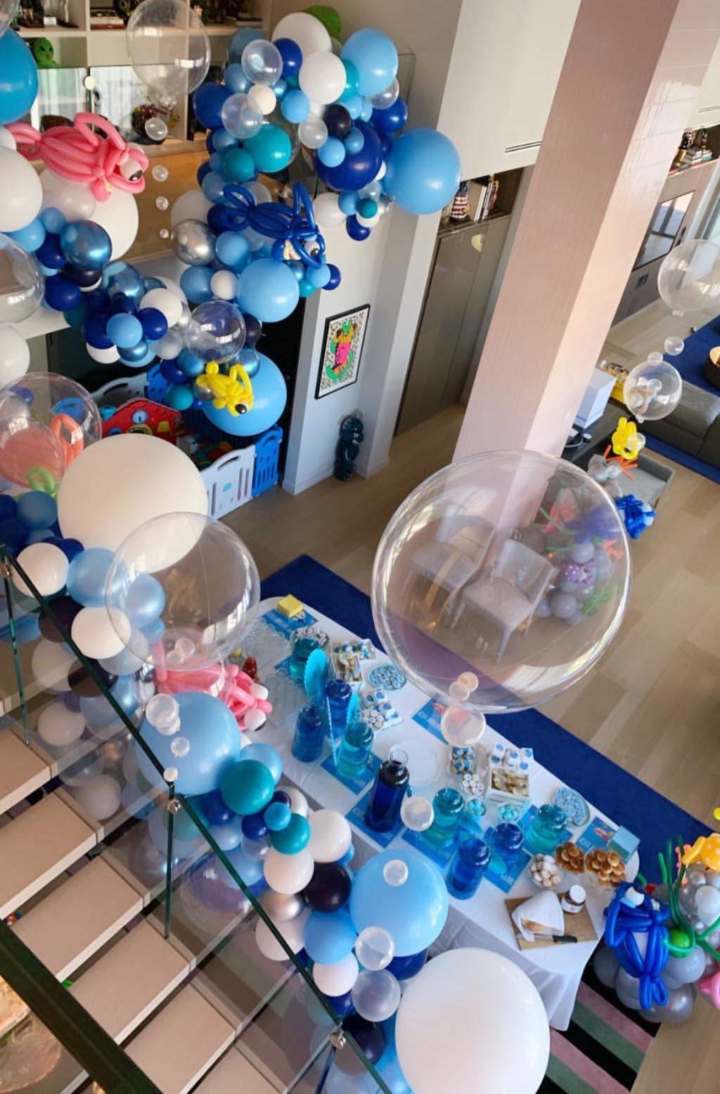 Casa Ferragnez addobbata per il compleanno del piccolo Leone