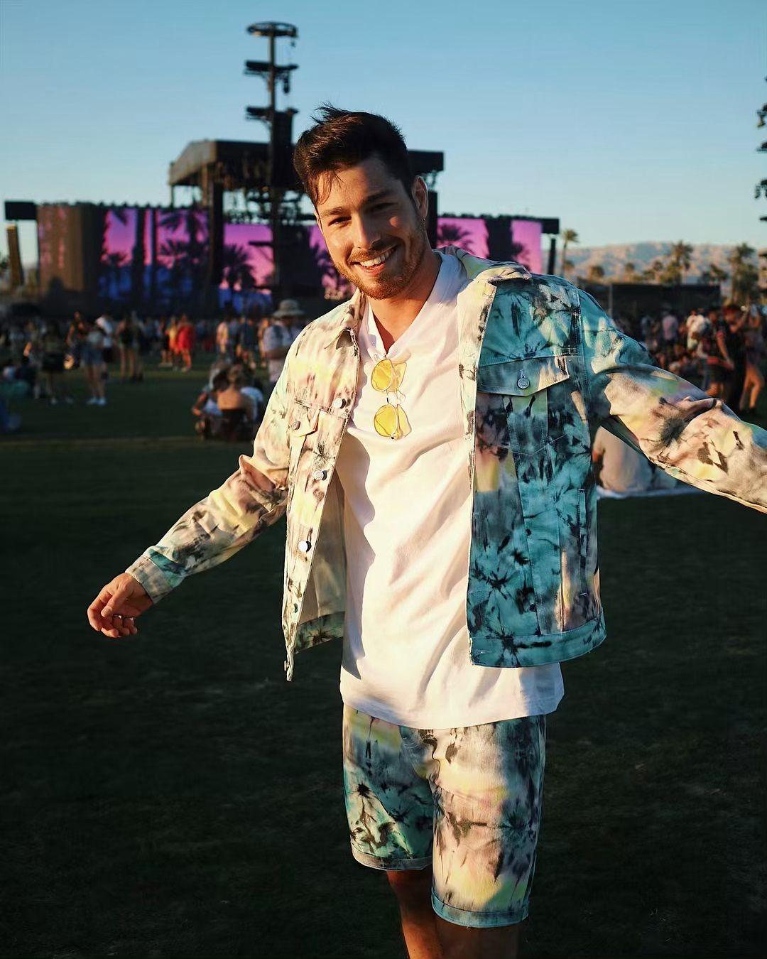 Luca Vezil al Coachella, ecco il suo outfit