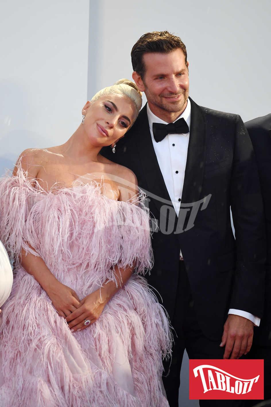 Lady Gaga e Bradley Cooper venezia
