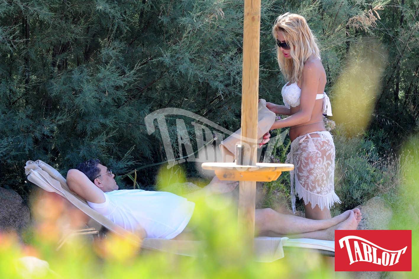 Valeria Marini e Giovanni Cottone durante una vacanza in sardegna