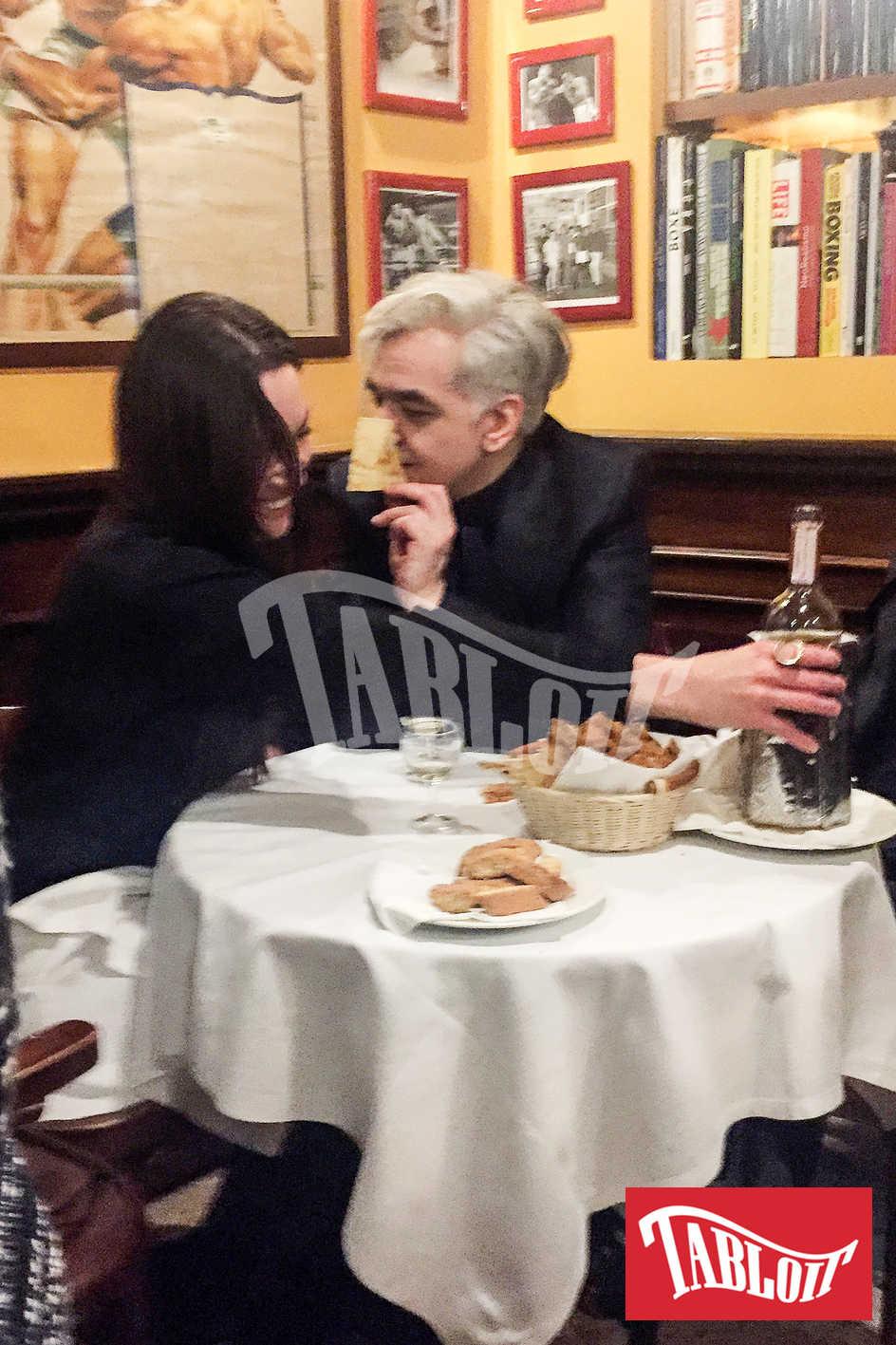 morgan con la nuova fidanzata al ristorante