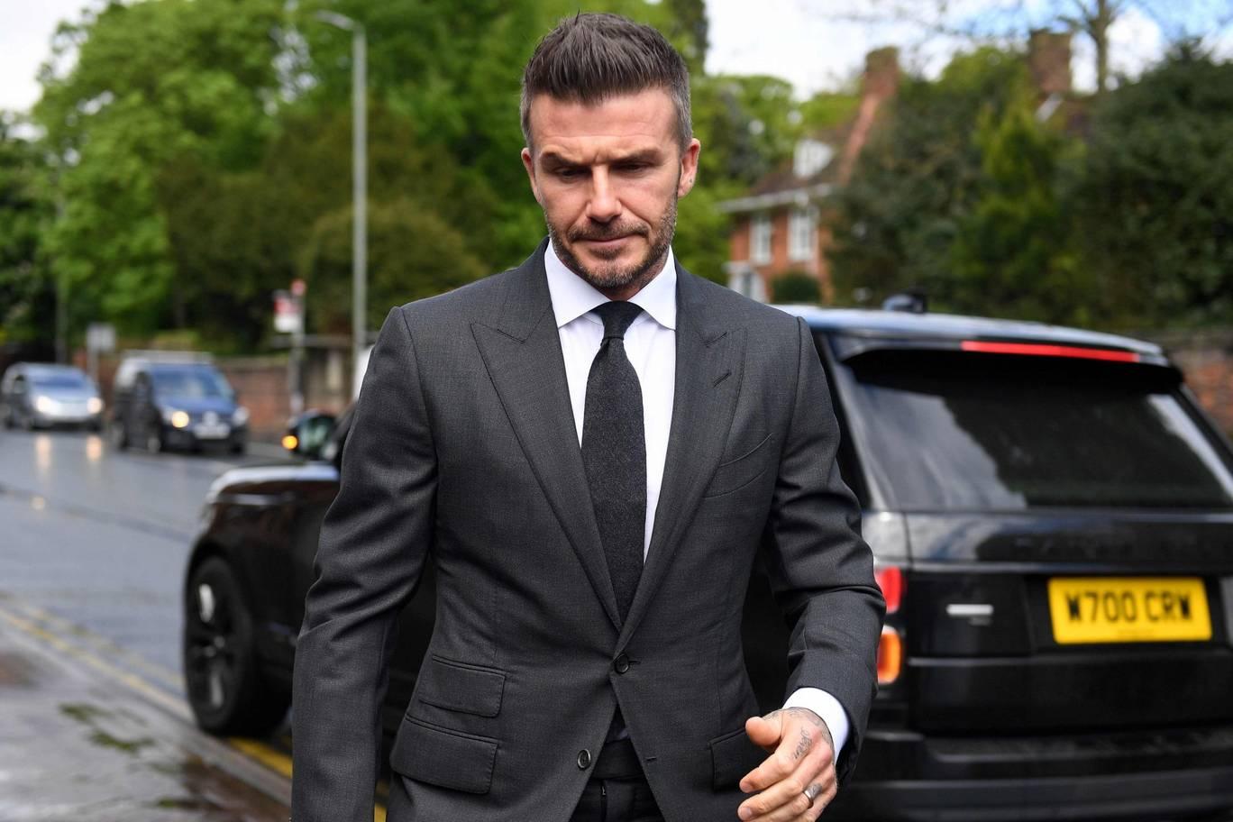 David Beckham arriva in tribunale a Londra patente ritirata